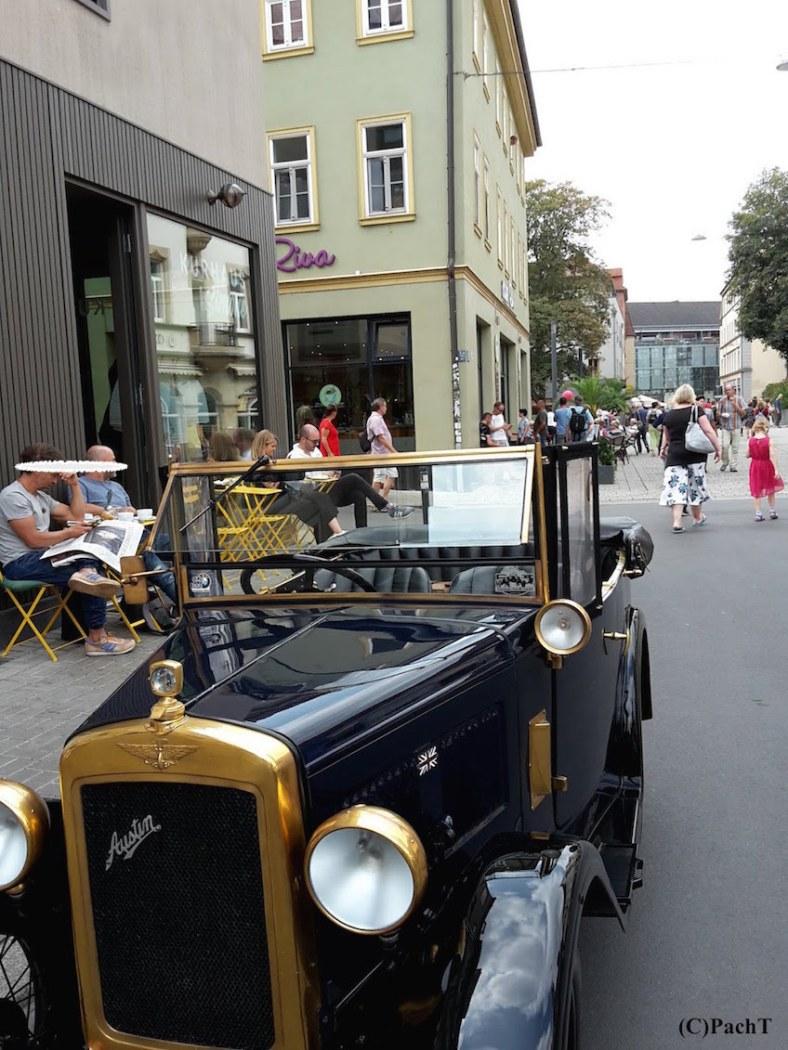 Oldtimer in Altstadt 4