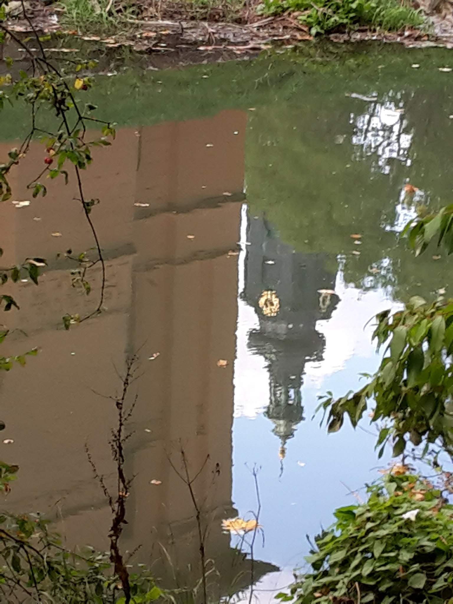 Weimar Schlossturm im Spiegel der Ilm